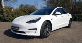 Tesla Model 3 in 3M Satin Flip Ghost Pearl