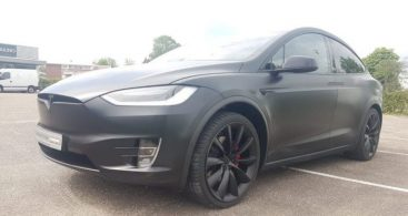 Tesla Model X in 3M 1080 Satin Black